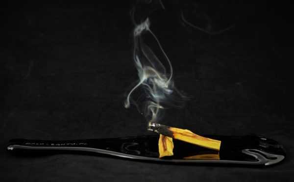 Palo Santo dym pachnący Palo Santo aromaterapia i energia