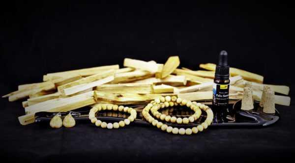 Palo Santo. zestaw, olej, drewienka, korale, kolczyki, bransoletka, stożki butelak fusing,